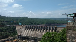 Dam with such glory